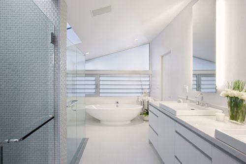 - Salle de bain blanche et grise ...
