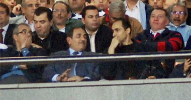 جمال مبارك يتابع مباراة مصر والجزائر