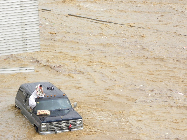 floods-jeddah-2