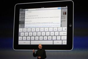 جوبز يعرض جهاز ''آي باد'' الجديد